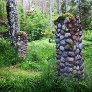 Gåshaga-gamla-sommarstogeområde-två-pelare copy